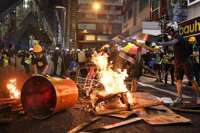 Беспорядки в Гонконге привели к оттоку капитала в размере $5 млрд