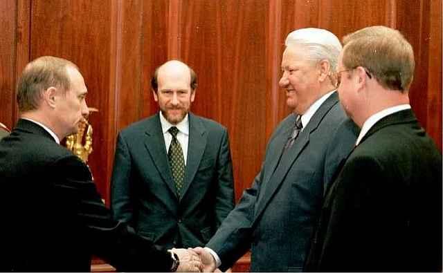 Волошин вернулся, чтобы завершить транзит власти в Кремле