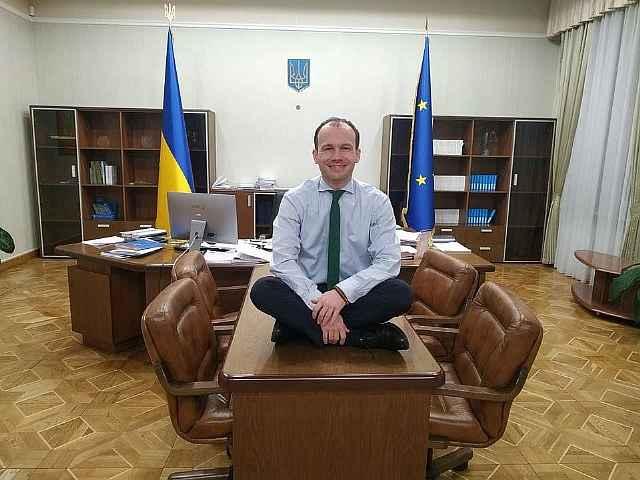 Минюст Украины Малюська пожаловался Зеленскому на маленькую зарплату